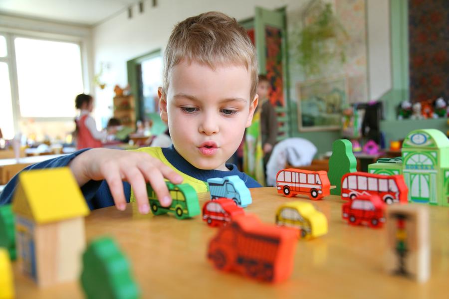 Enfant à la garderie l'Arche de Noé